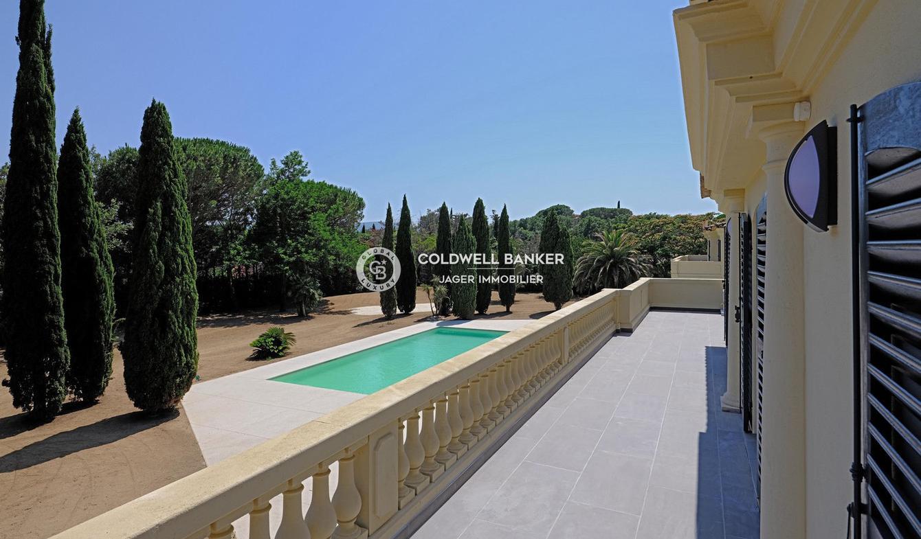 Appartement avec terrasse et piscine Grimaud