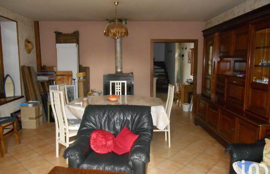 Vente maison 5 pièces 143 m² à Besson (03210), 139 000 €