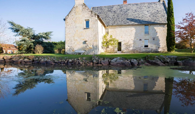 House with pool Dénezé-sous-Doué