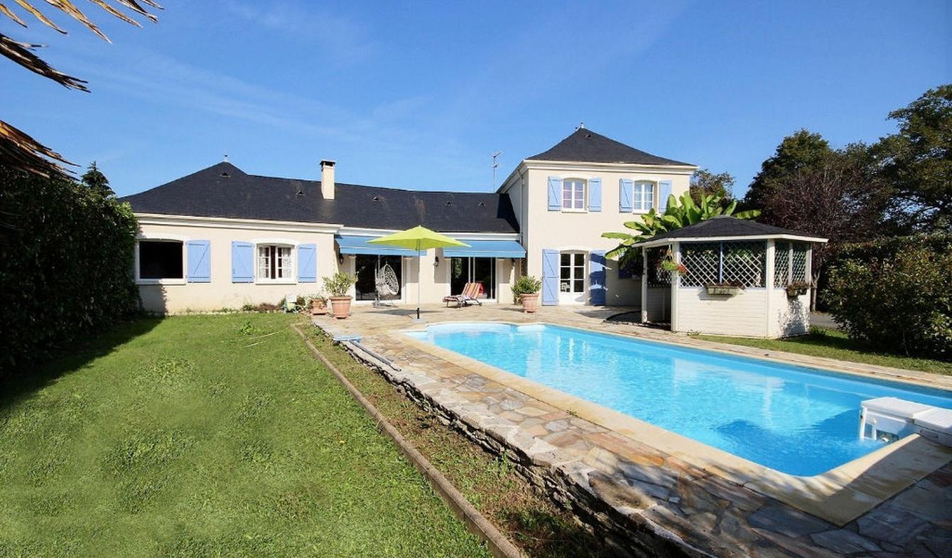 Maison avec piscine et jardin Artiguelouve