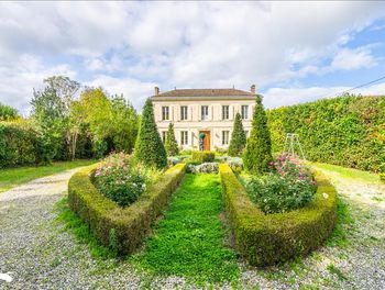 maison à Saint-Germain-d'Esteuil (33)