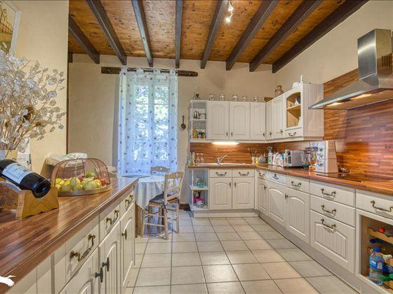 Vente maison 5 pièces 242 m2