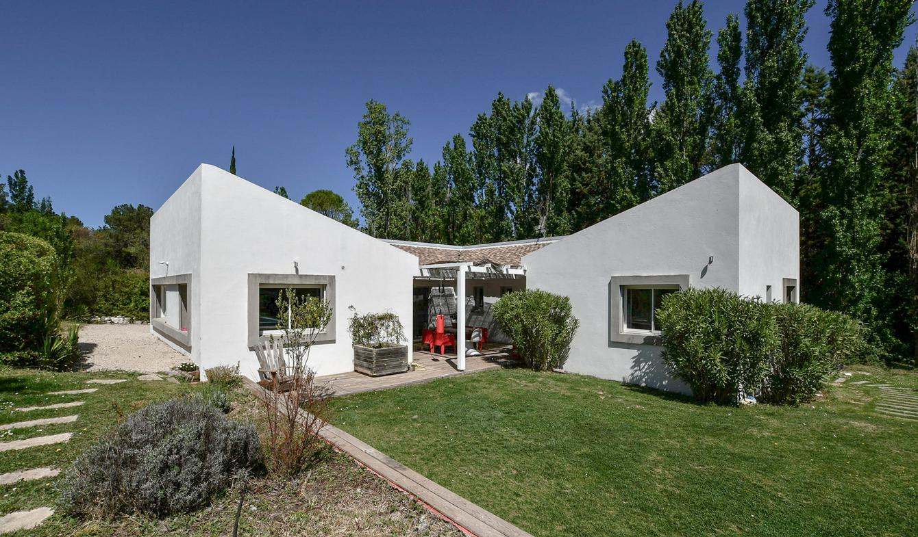 Villa with pool and terrace Cabries