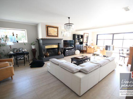 Vente maison 8 pièces 246,17 m2