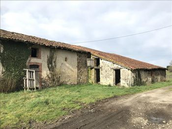 maison à Lessac (16)