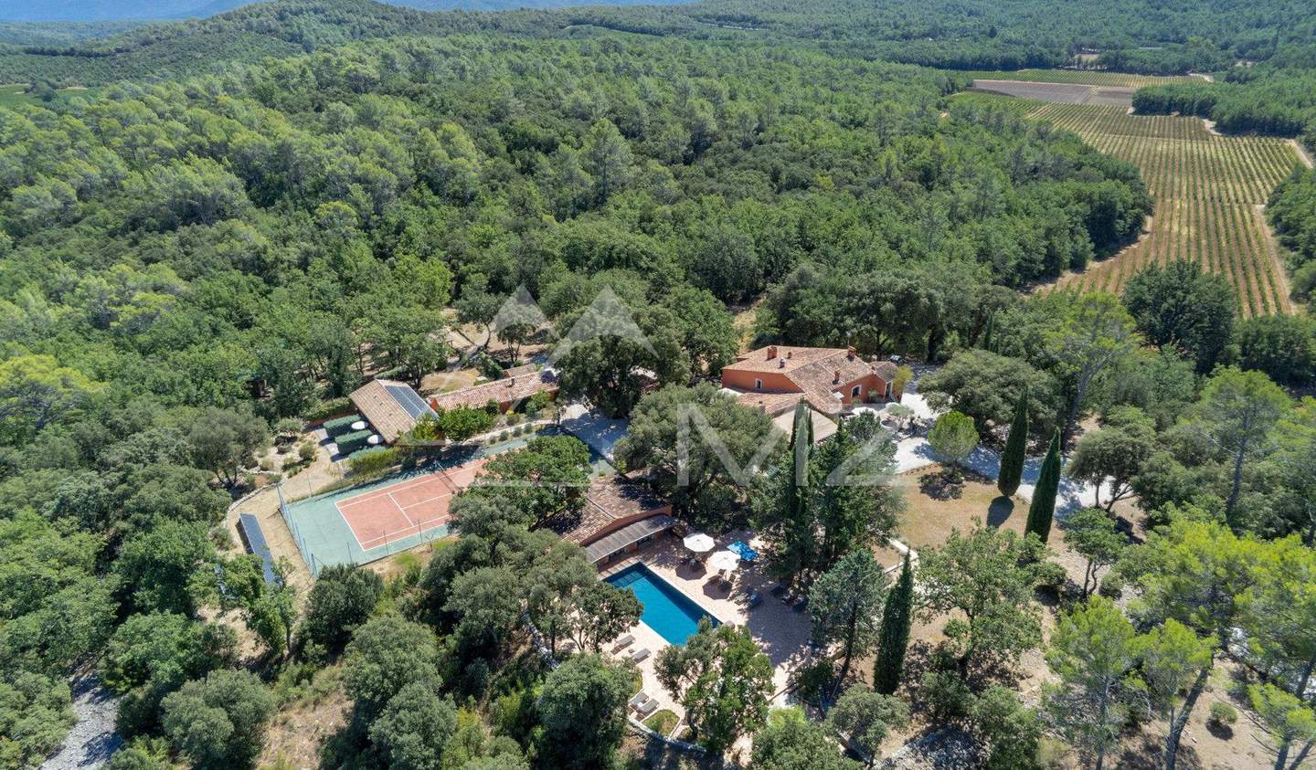 Property with pool Besse-sur-Issole
