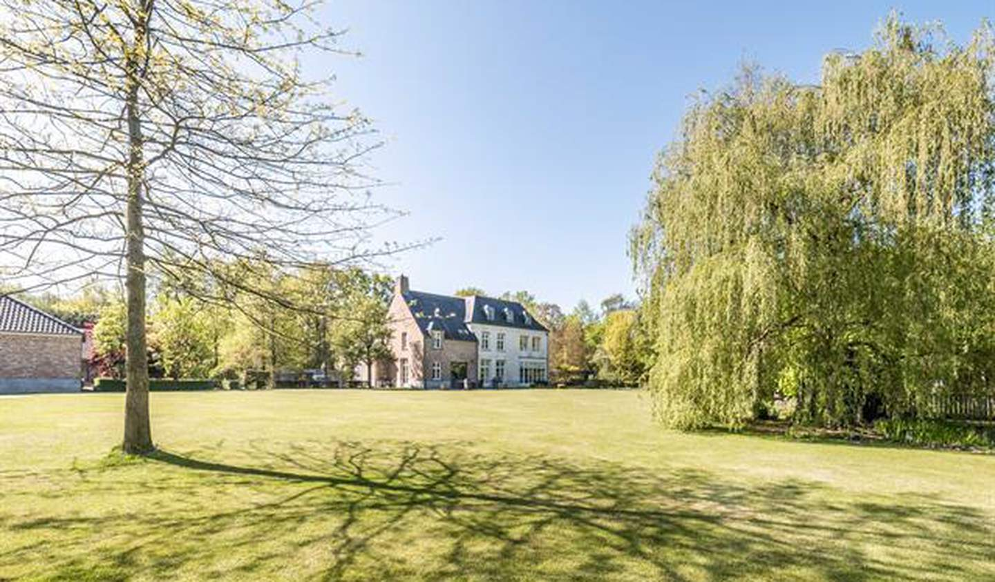 Villa with pool and terrace Schilde