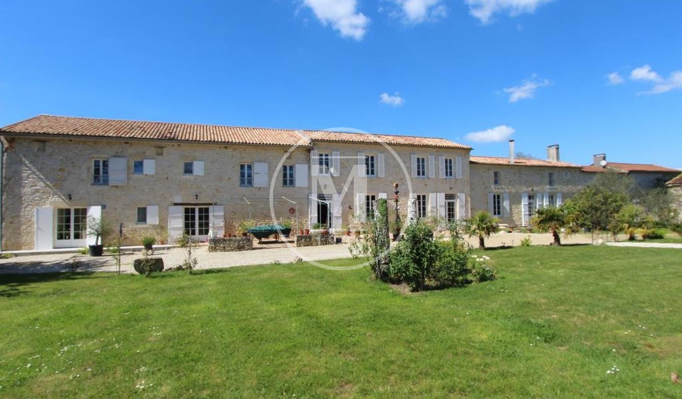 House with pool Lesparre-Médoc