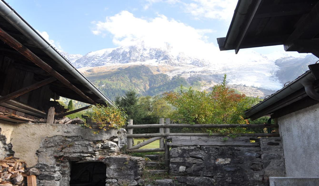 Farm house with outbuildings and garden Chamonix-Mont-Blanc