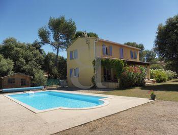 villa à Saint-Didier (84)