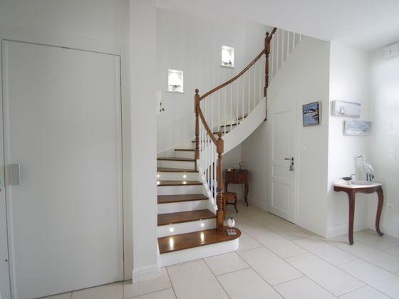 Vente maison 10 pièces 368 m2