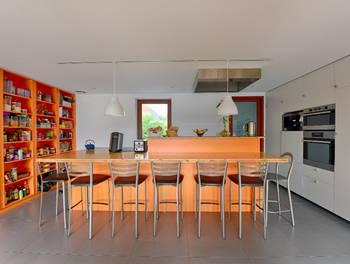 Maison 10 pièces 235 m2