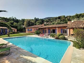 Villa 5 pièces 228 m2