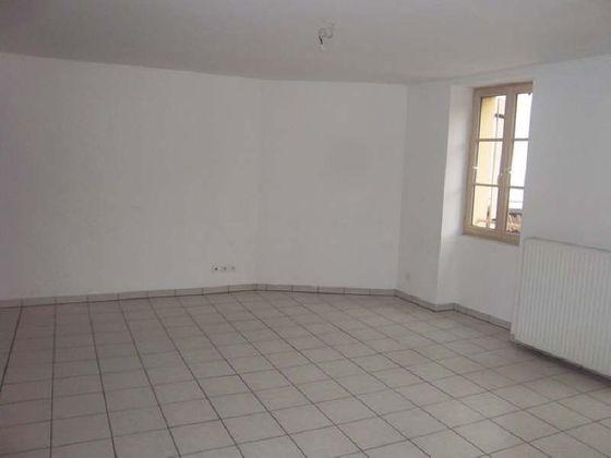 Location appartement 4 pièces 109,74 m2