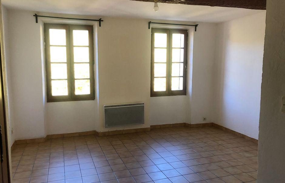 Location  studio 1 pièce 26 m² à Le Revest-les-Eaux (83200), 470 €