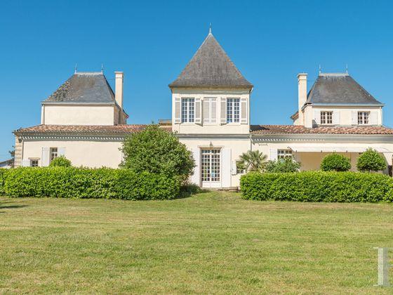 Vente château 6 pièces 515 m2