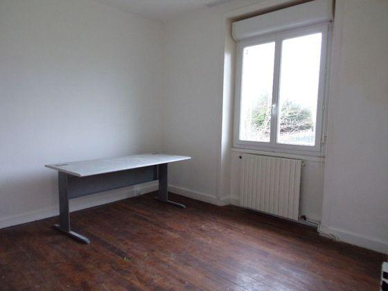 Vente maison 4 pièces 713 m2