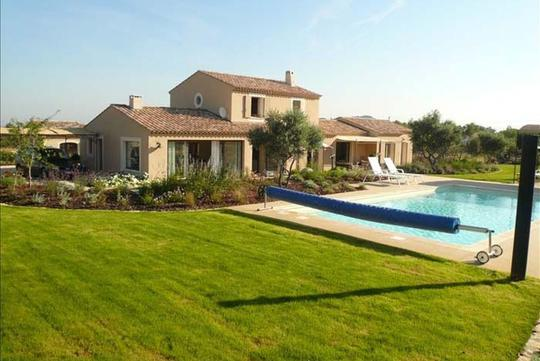 Villa with pool and garden
