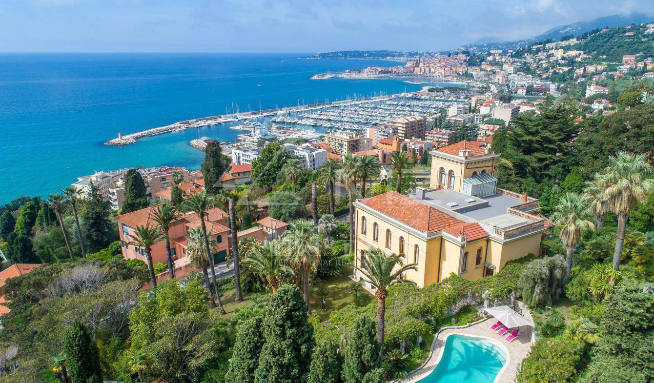 Villa with pool Menton