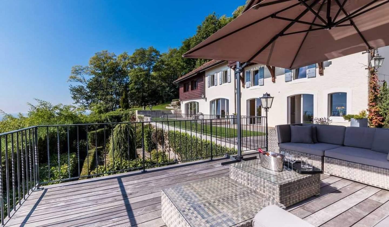 House Mont-sur-Rolle