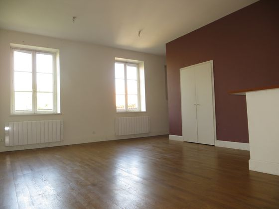 Location appartement 4 pièces 103 m2