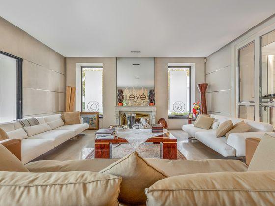 Vente maison 9 pièces 600 m2
