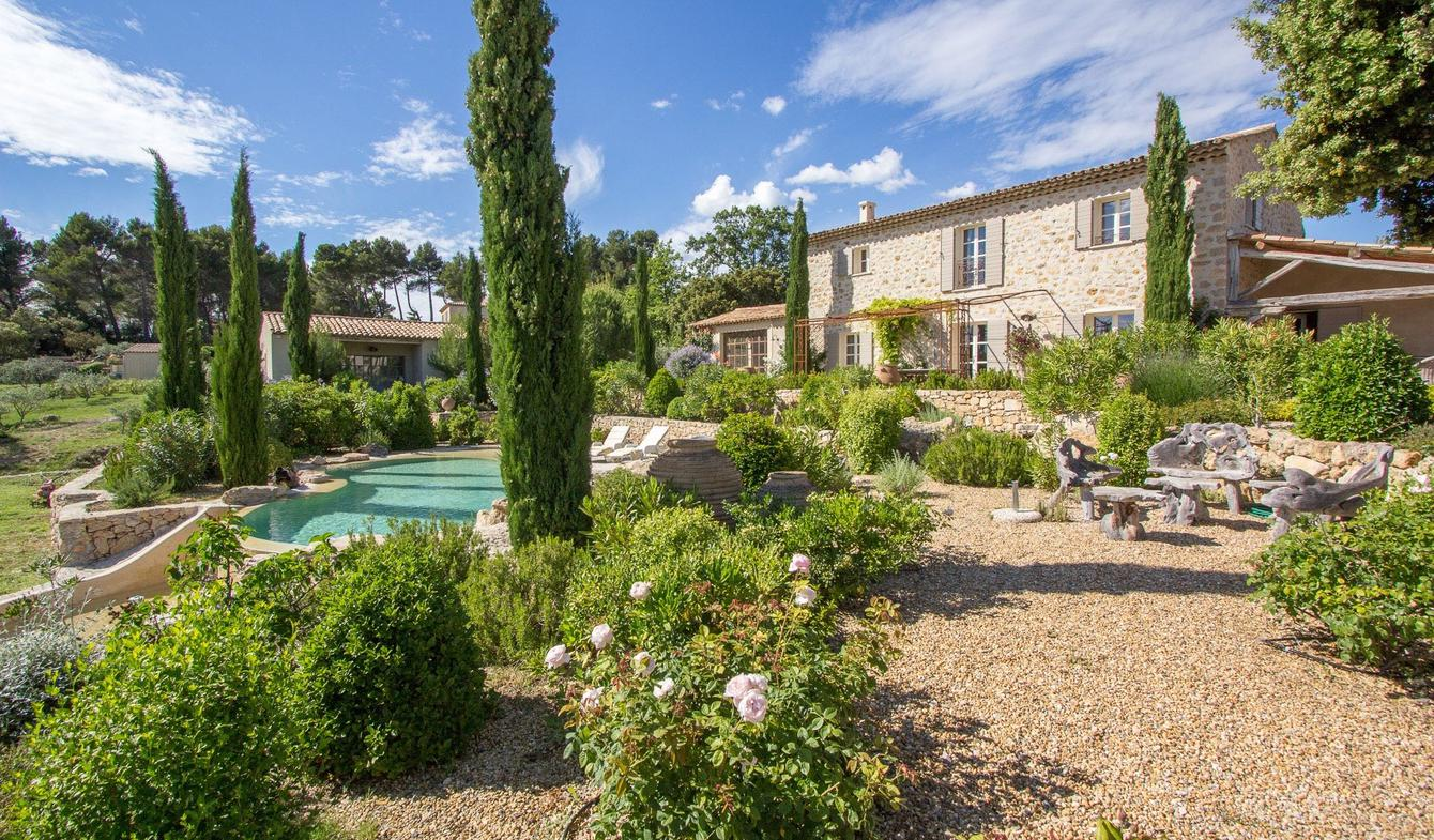 Property with pool and garden Tourtour