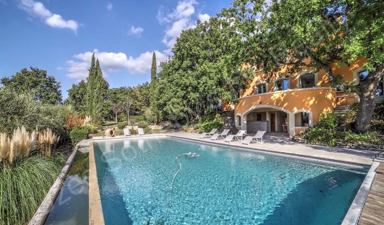 Maison avec piscine et jardin Uzès