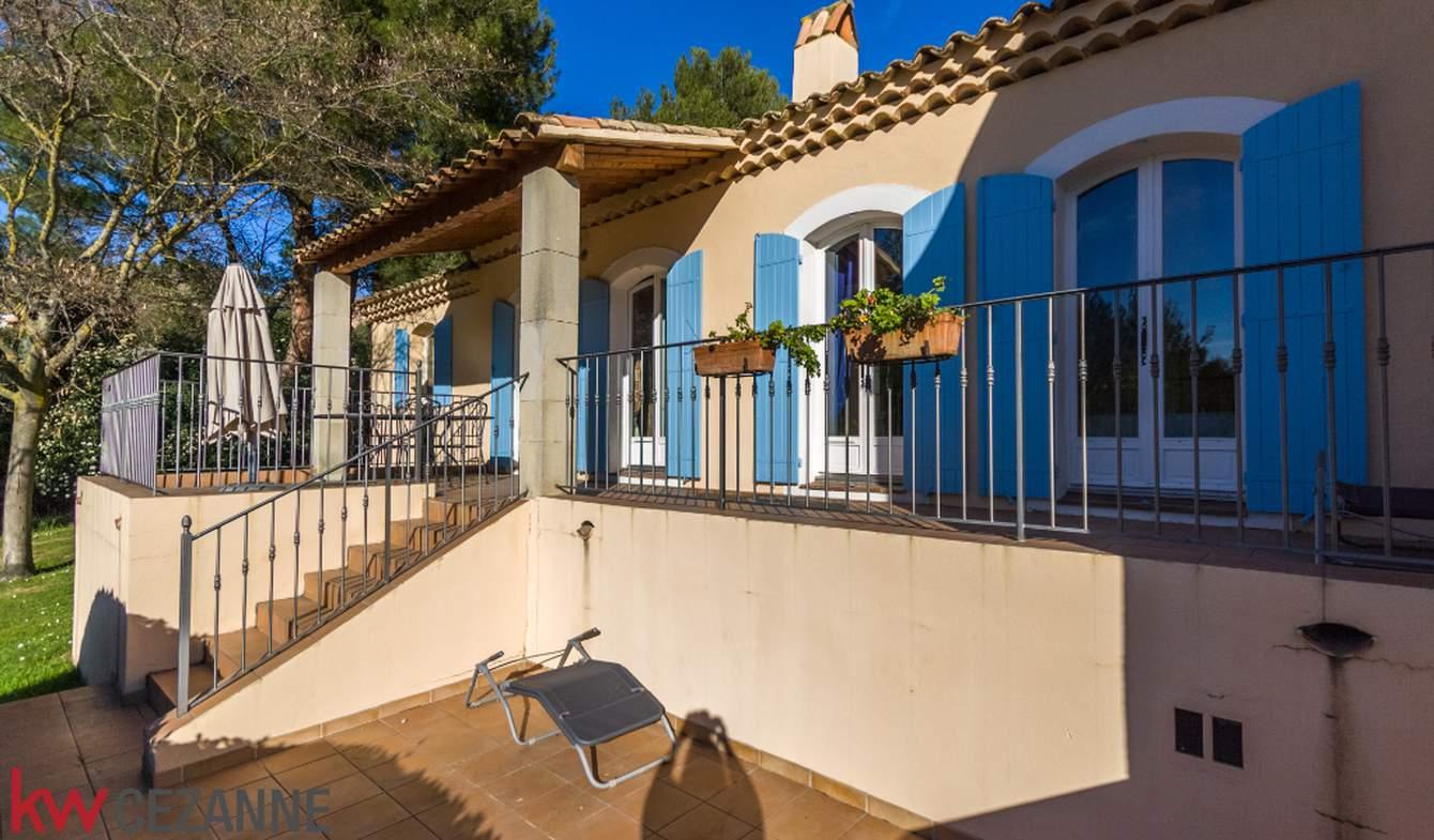 Maison avec piscine et terrasse Mallemort