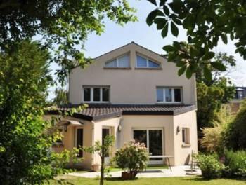 Maison 11 pièces 270,39 m2
