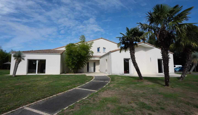 Maison Saint-Pardoux