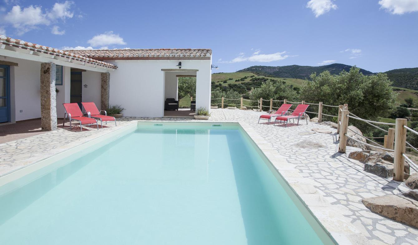 Villa with pool Cagliari