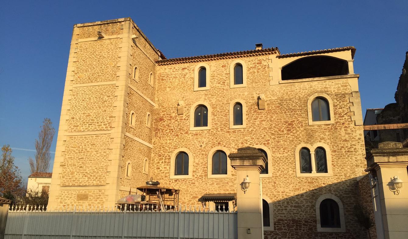 Atypique avec terrasse et vue panoramique Avignon