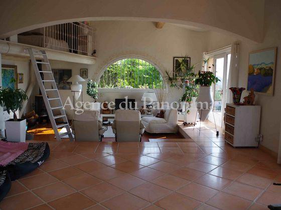 Vente propriété 10 pièces 270 m2