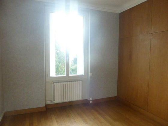 Location appartement 2 pièces 75 m2