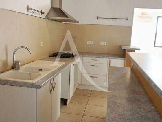 Location maison 3 pièces 125 m2