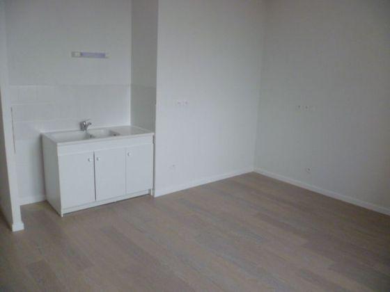 Location studio 30,11 m2