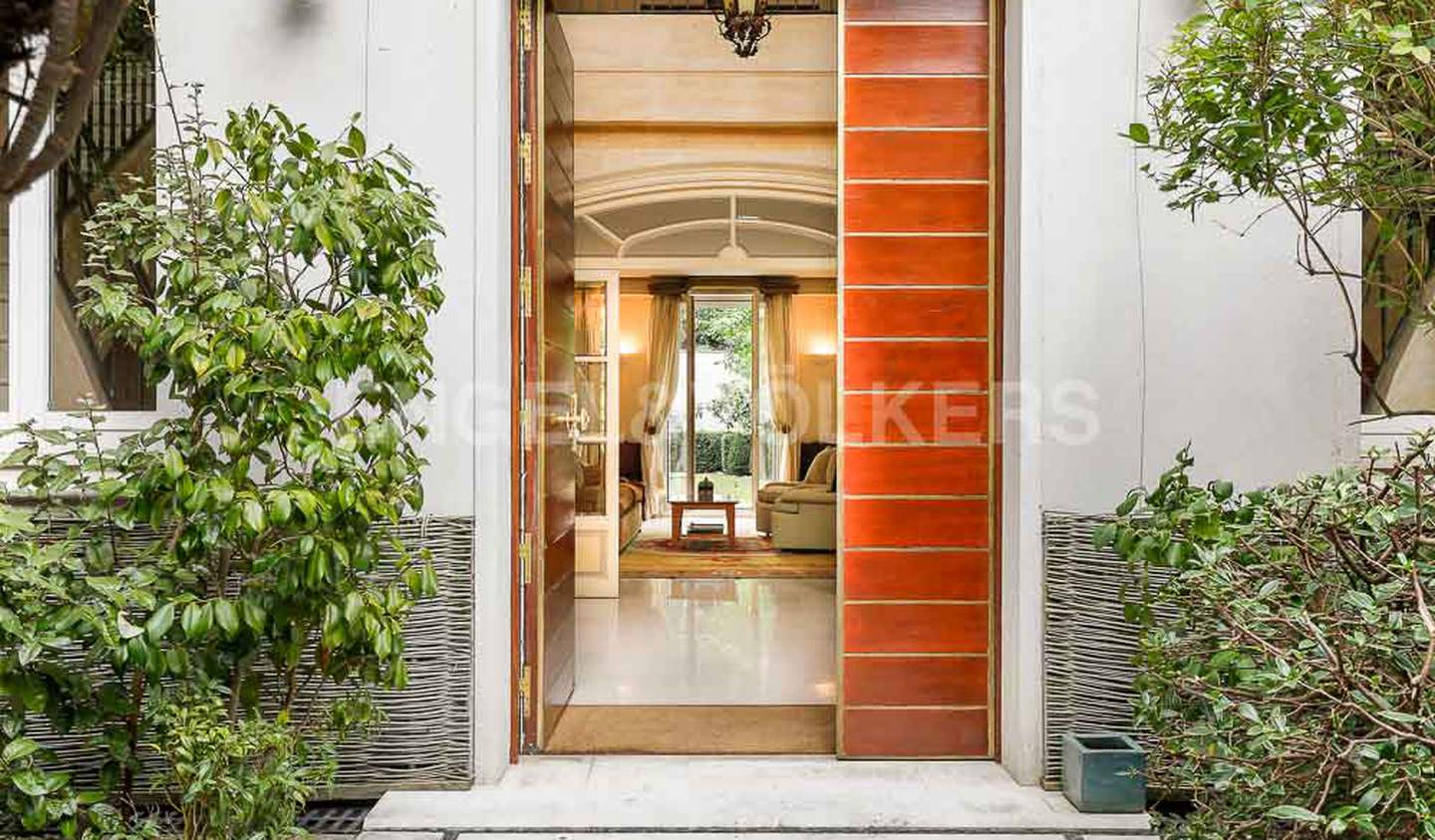 House with terrace Neuilly-sur-Seine