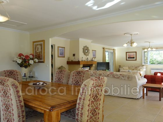 Vente villa 6 pièces 222 m2