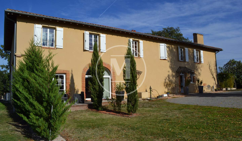 Maison avec piscine et terrasse Lombez
