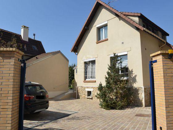 Location maison meublée 5 pièces 151 m2