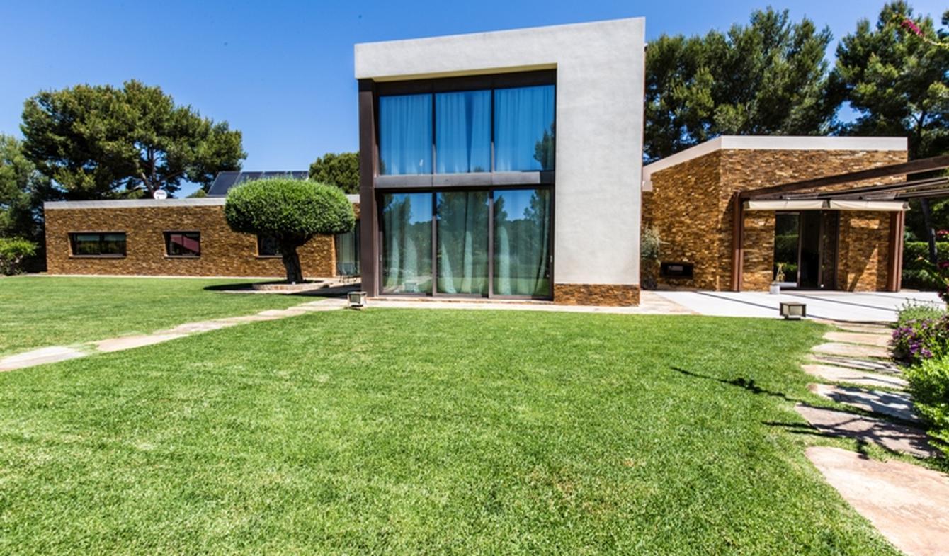 Seaside villa and garden Majorca