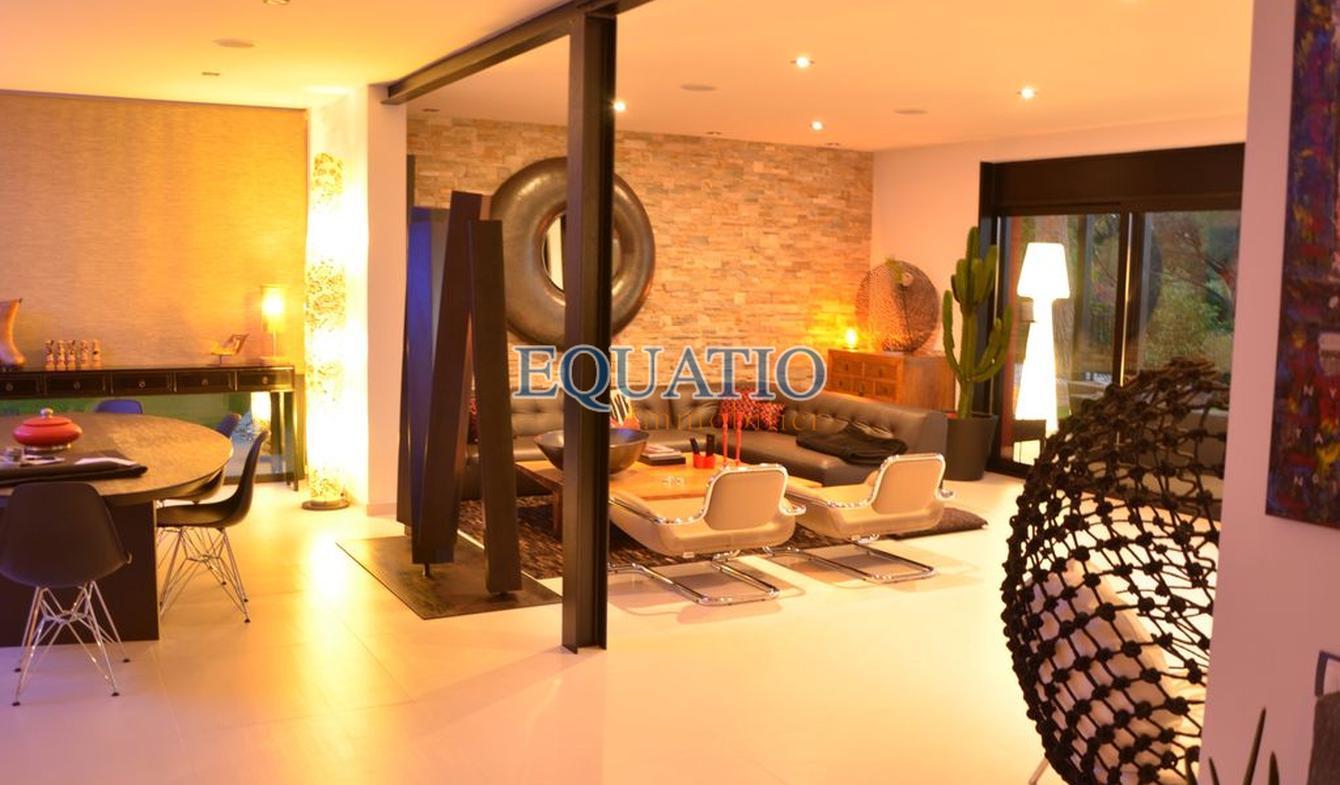 Villa avec piscine et terrasse Cabrils