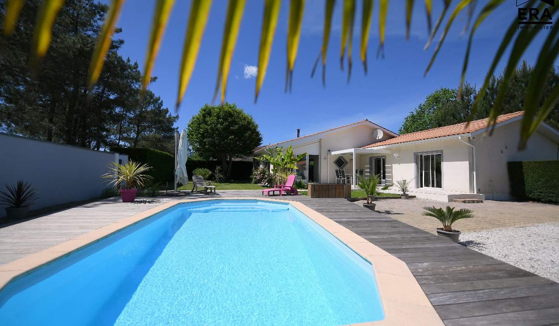 Maison avec piscine et terrasse Cazaux