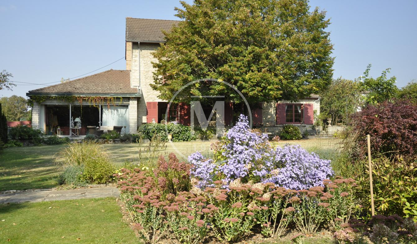 Property with pool Montalieu-Vercieu