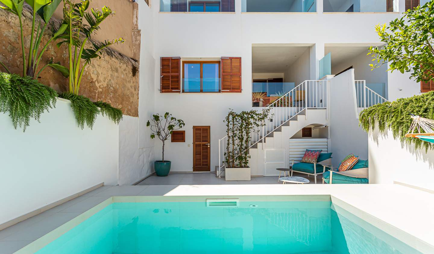 House with pool and garden Palma