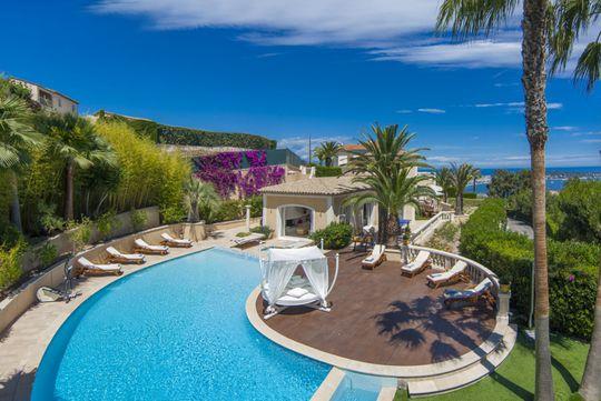 Ajouter à ma sélection maison avec piscine et jardin