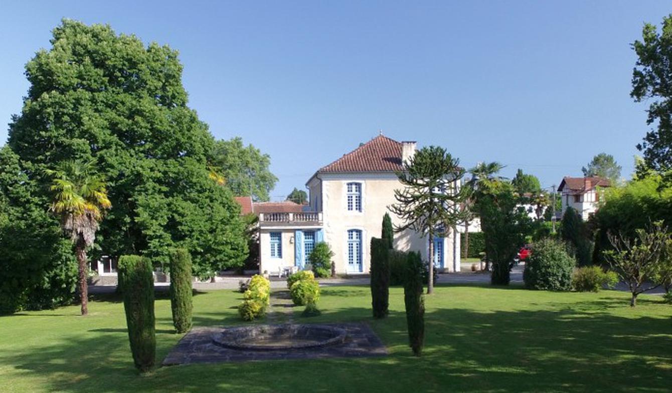 Château Salies-de-bearn