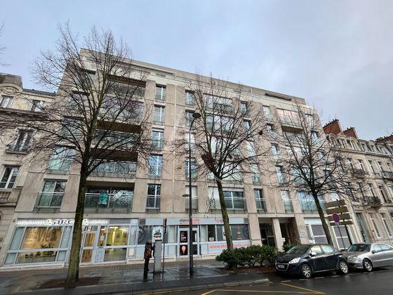 Location appartement 5 pièces 132,37 m2