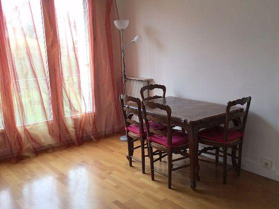 location Appartement meublé 3 pièces 51 m2 Vitry-sur-Seine